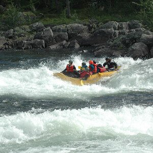 Class 4 whitewater rafting rapids example